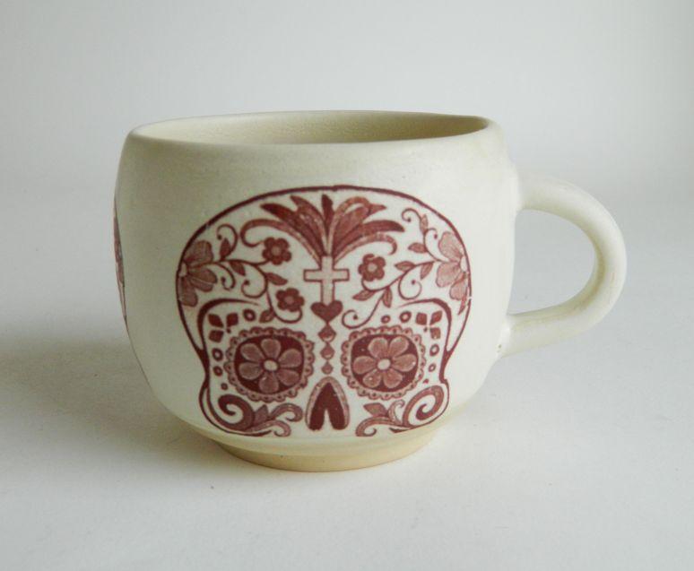 b skull mug