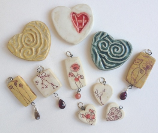 Assorted Pendants and Refrigerator Magnets, 1